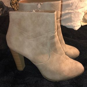 Shoes - Leather booties!